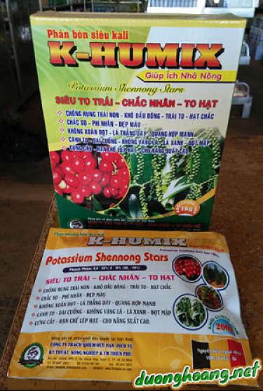 k-humix, chống nhỏ lá, xoăn lá, rụng đọt, nhỏ trái, chống rụng trái non, đen cuống, khô cuống, làm to trái, chắc nhân. Giúp cây chịu hạn tốt, rễ phát triển mạnh, khắc phục nhanh hiện tượng thiếu kali.