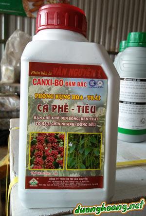 Phân bón lá CANXI-BO đậm đặc, phòng rụng hoa và trái non, tăng thụ phấn, đậu trái mạnh, hạn chế khô đen bông, đen trái, to hạt, chín nhanh, Ca, Bo, Zn.